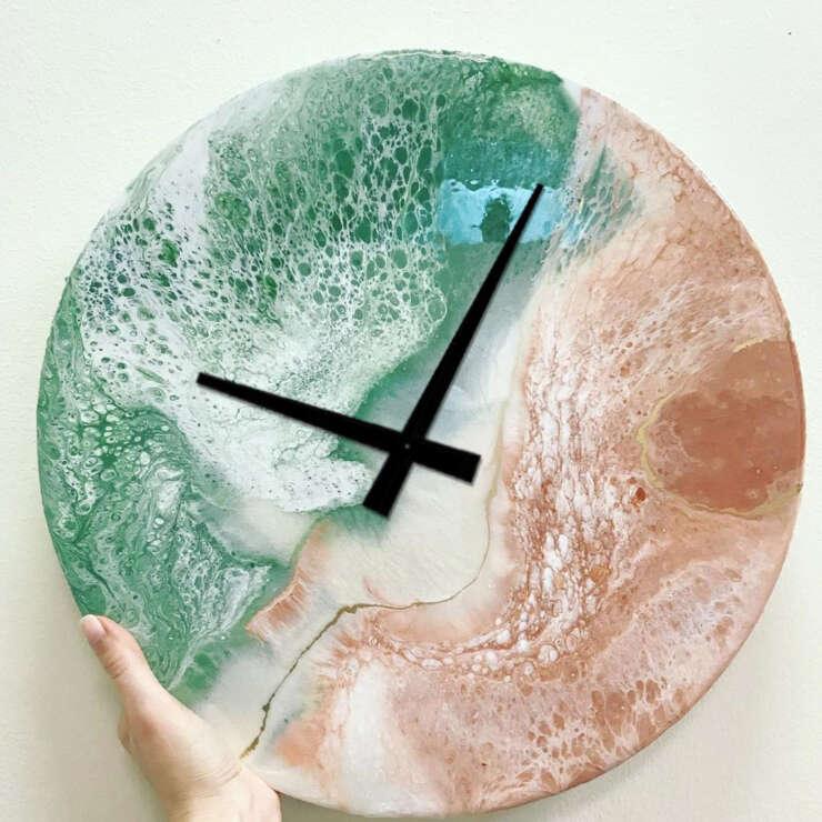 Резин Арт часы